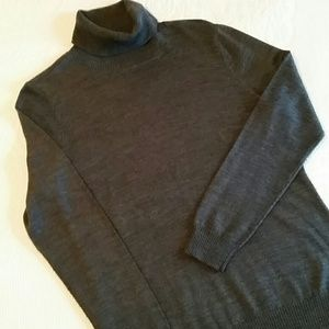 Relativity Gray Turtleneck Sweater